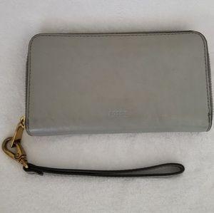 Fossil wristlet wallet